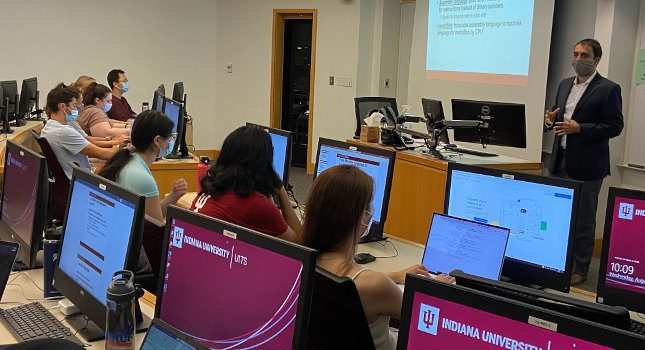 Sagar Samtani, assistant professor of operations and decision technologies at the IU Kelley School of Business, lectures on topics related to artificial intelligence at IU. Courtesy: George Vlahakis, IU Kelley School of Business